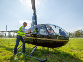 Helikopter_dropping_twente_methoeve